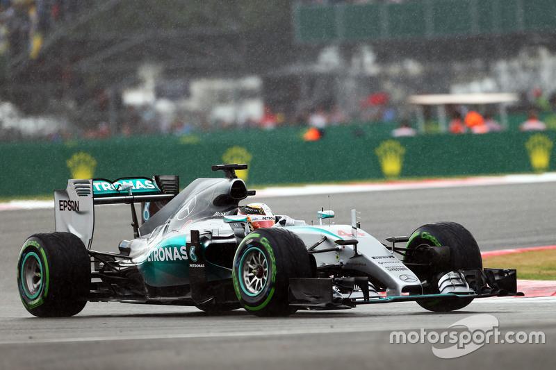 Lewis Hamilton, Mercedes AMG F1 W06, im Regen