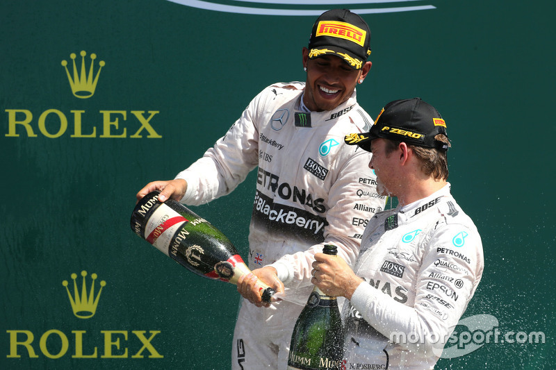 Lewis Hamilton, Mercedes AMG F1 Team, dan Nico Rosberg, Mercedes AMG F1 Team