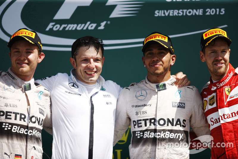 The podium,: Nico Rosberg, Mercedes AMG F1, second; Peter Bonnington, Mercedes AMG F1 Race Engineer; Lewis Hamilton, Mercedes AMG F1, race winner; Sebastian Vettel, Ferrari, third