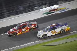 Greg Biffle, Roush Fenway Racing Ford and Brendan Gaughan, Richard Childress Racing Chevrolet