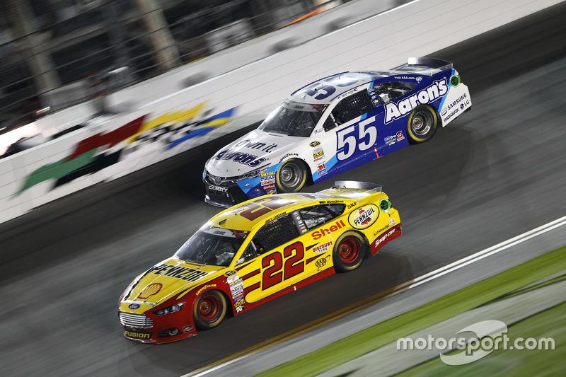 David Ragan, Michael Waltrip Racing Toyota dan Joey Logano, Team Penske Ford