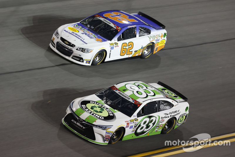 Brendan Gaughan, Richard Childress Racing Chevrolet dan Matt Dibenedetto, BK Racing Toyota