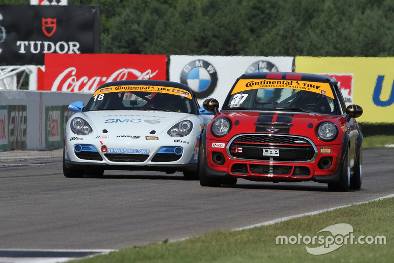 #18 RS1 Porsche Cayman: Jon Miller, Adam Isman dan #37 Mini John Cooper Works Team Mini JCW: Zach Me