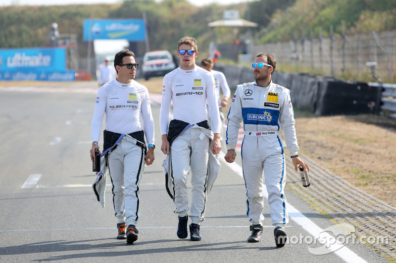 Robert Wickens and Paul di Resta, HWA AG Mercedes-AMG C63 DTM and Gary Paffett, ART Grand Prix Mercedes-AMG C63 DTM