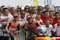 Segundo lugar, Dani Pedrosa y el ganador, Marc Márquez, Repsol Honda Team