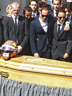 Pastor Maldonado y Felipe Massa, presentes en el funeral de Jules Bianchi en Niza, Francia