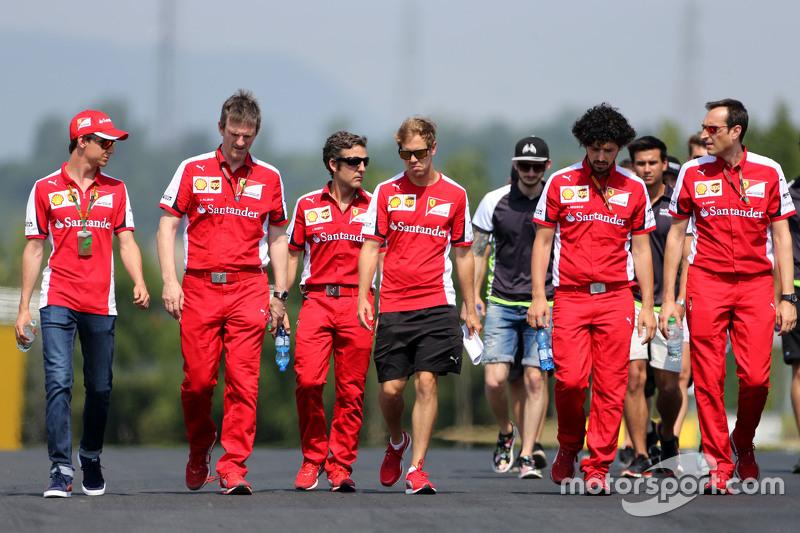 James Allison, diretor técnico da Ferrari e Sebastian Vettel, Scuderia Ferrari