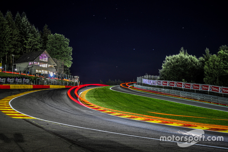 Night action at Eau Rouge