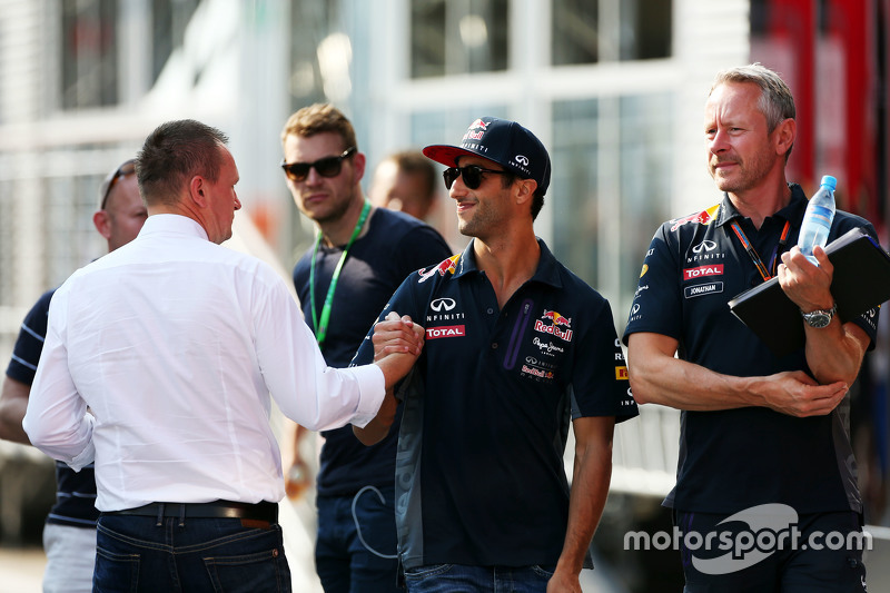 Daniel Ricciardo, Red Bull Racing with Jonathan Wheatley, Red Bull Racing Team Manager