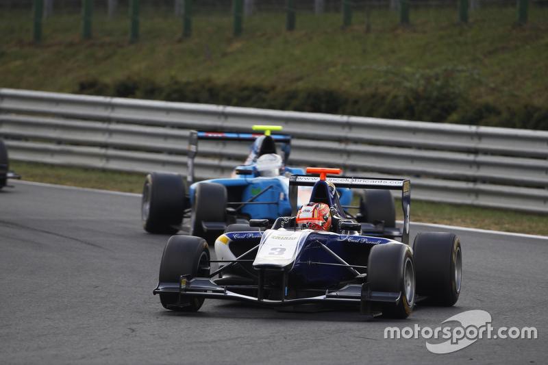 Мітчелл Гілберт, Carlin лідирує Пел Вархауг, Jenzer Motorsport