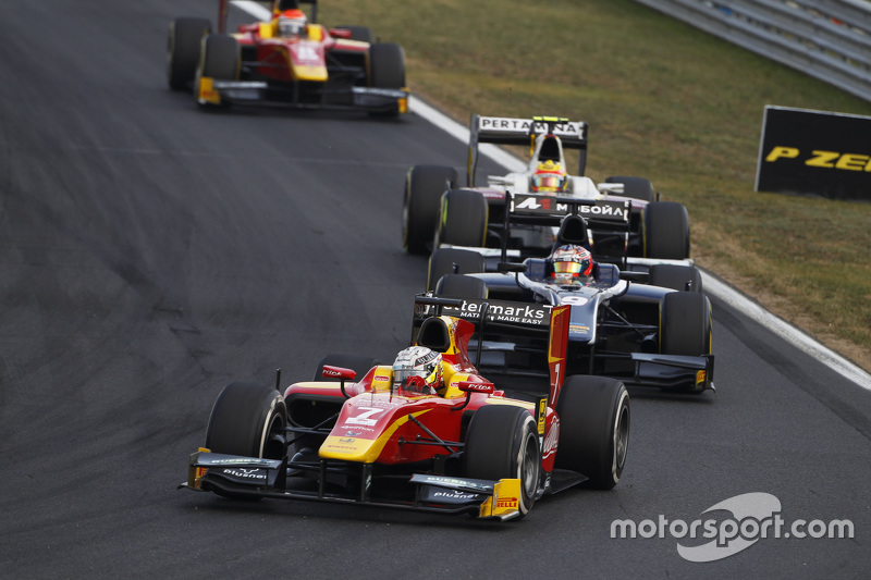 Jordan King, Racing Engineering leads Mitch Evans, RUSSIAN TIME & Rio Haryanto, Campos Racing