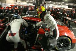 比利时奥迪WRT车队1号奥迪R8:劳伦兹·万索尔、瑞内·拉斯特、马库斯·温克霍克