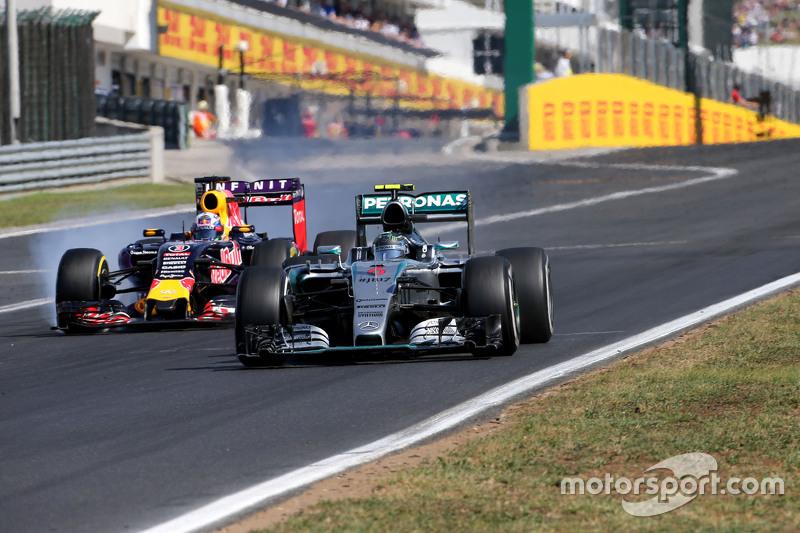 Nico Rosberg, Mercedes AMG F1 Team e Daniel Ricciardo, Red Bull Racing