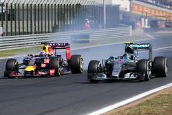 Daniel Ricciardo, Red Bull Racing dan Nico Rosberg, Mercedes AMG F1 Team