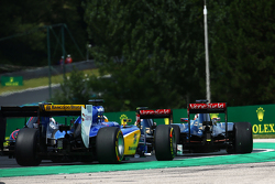 Marcus Ericsson, Sauber C34 at the start of the race