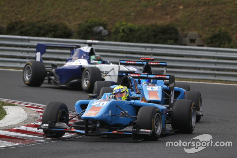 Pal Varhaug, Jenzer Motorsport leads Ralph Boschung, Jenzer Motorsport & Adderly Fong, Koiranen GP
