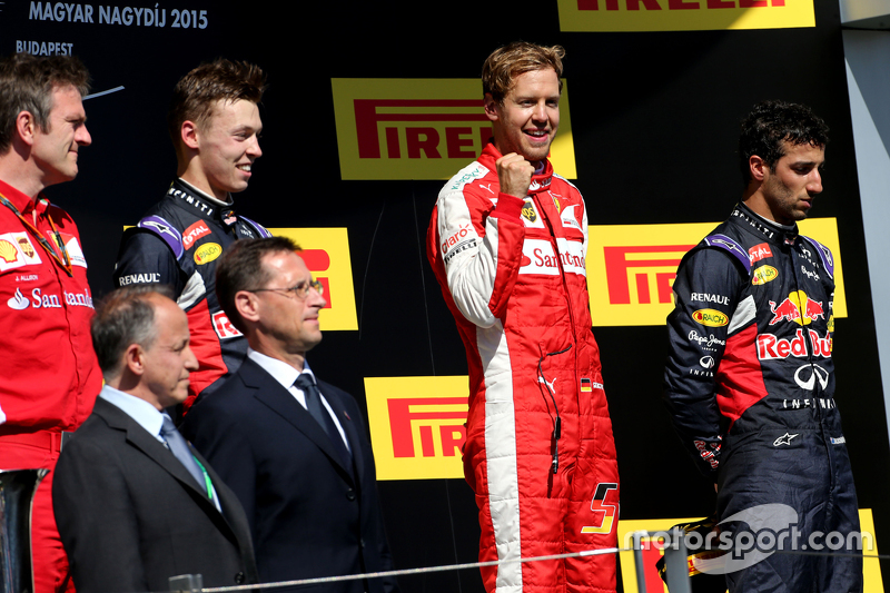 Daniil Kvyat, Red Bull Racing, Sebastian Vettel, Scuderia Ferrari and Daniel Ricciardo, Red Bull Racing
