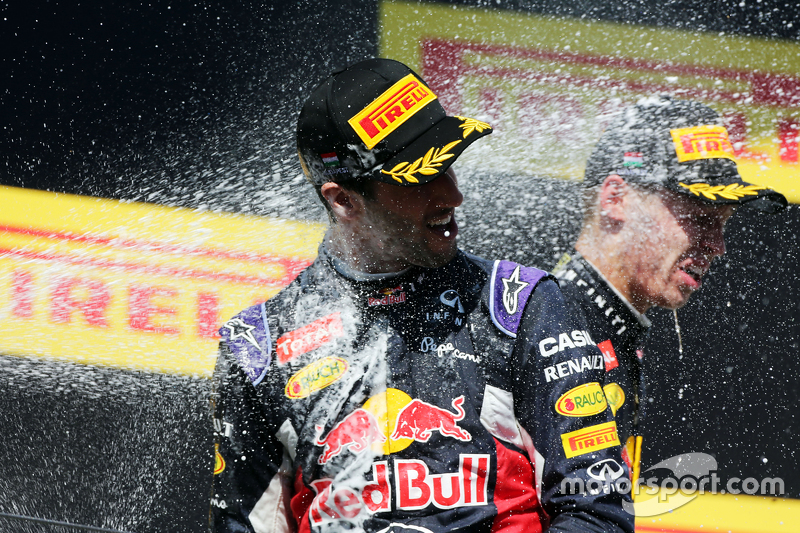 Daniel Ricciardo, Red Bull Racing merayakan posisi ketiga di podium