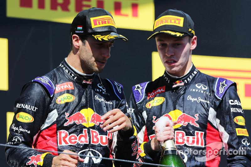 (Kiri ke Kanan): third placed Daniel Ricciardo, Red Bull Racing dengan posisi kedua rekan setim team