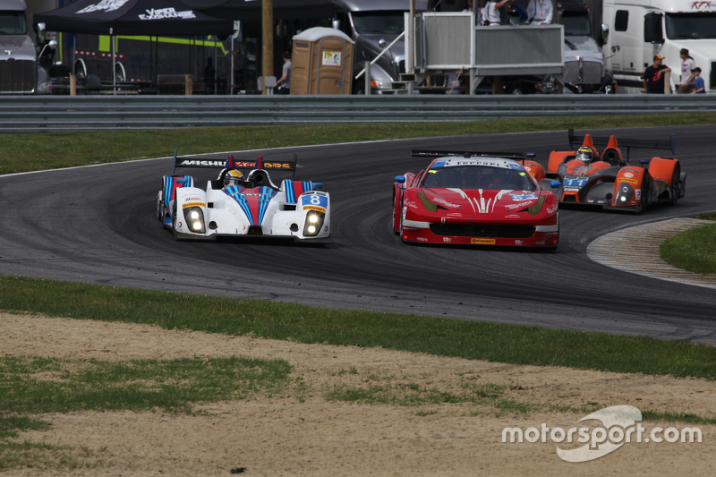 #8 Starworks Motorsport ORECA FLM09: Ренгер ван дер Занде, Мірко Шултіс та #63 Scuderia Corsa Ferrari 458 Italia: Білл Свідлер, Таунсенд Белл
