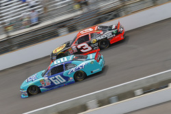 Chris Buescher, Roush Fenway Racing Ford and Ty Dillon, Richard Childress Racing Chevrolet