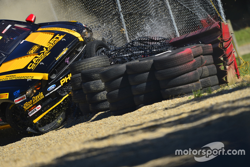 Hard crash for #35 Phoenix American Motorsports Ford Mustang Boss 302: Preston Calvert