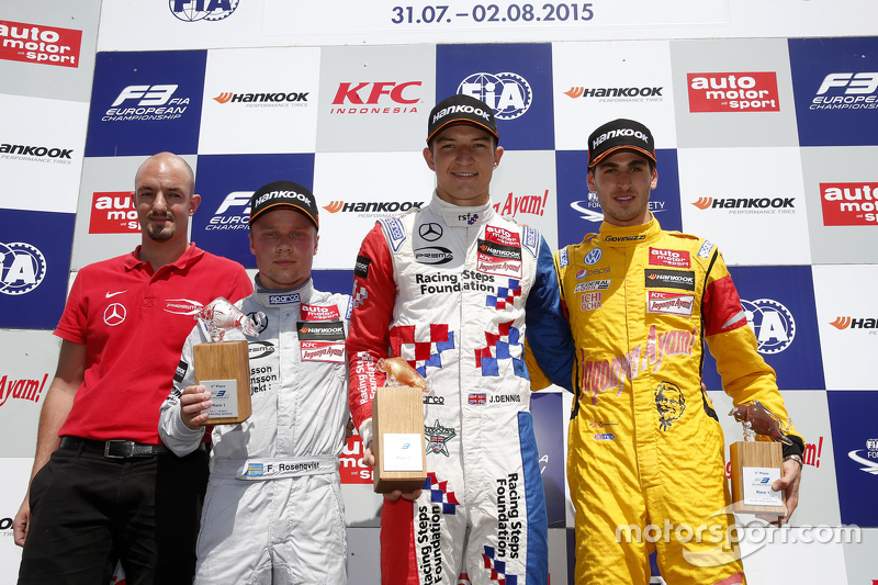 Podium: race winner Jake Dennis, Prema Powerteam Dallara Mercedes-Benz, second place Felix Rosenqvist, Prema Powerteam Dallara Mercedes-Benz, third place Antonio Giovinazzi, Jagonya Ayam with Carlin Dallara Volkswagen