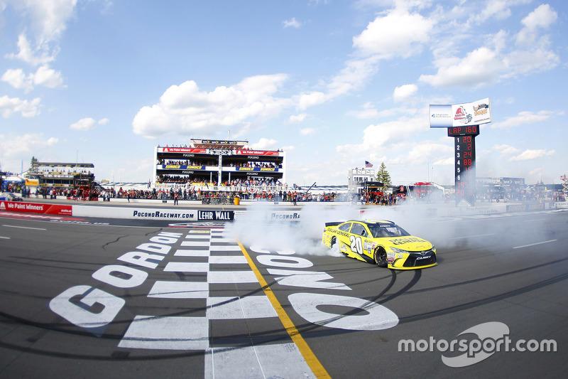 Race winner Matt Kenseth, Joe Gibbs Racing celebrates