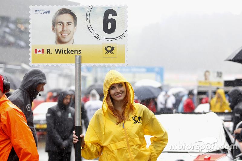 Gridgirl of Robert Wickens, HWA AG Mercedes-AMG C63 DTM