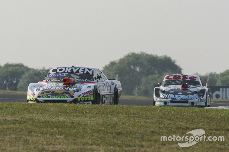 Juan Marcos Angelini, UR Racing Dodge dan Carlos Okulovich, Maquin Parts Racing Torino