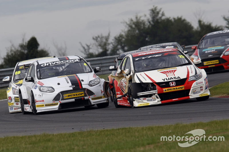 Matt Neal, Honda Racing Civic Type R ve Mat Jackson, Motorbase Performance