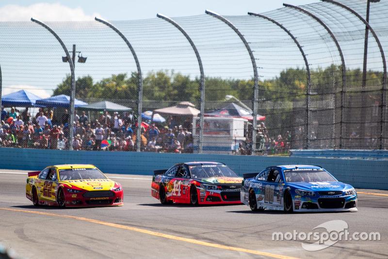 Dale Earnhardt Jr. Hendrick Motorsports Chevrolet dan Tony Stewart, Stewart-Haas Racing Chevrolet dan Joey Logano, Team Penske Ford
