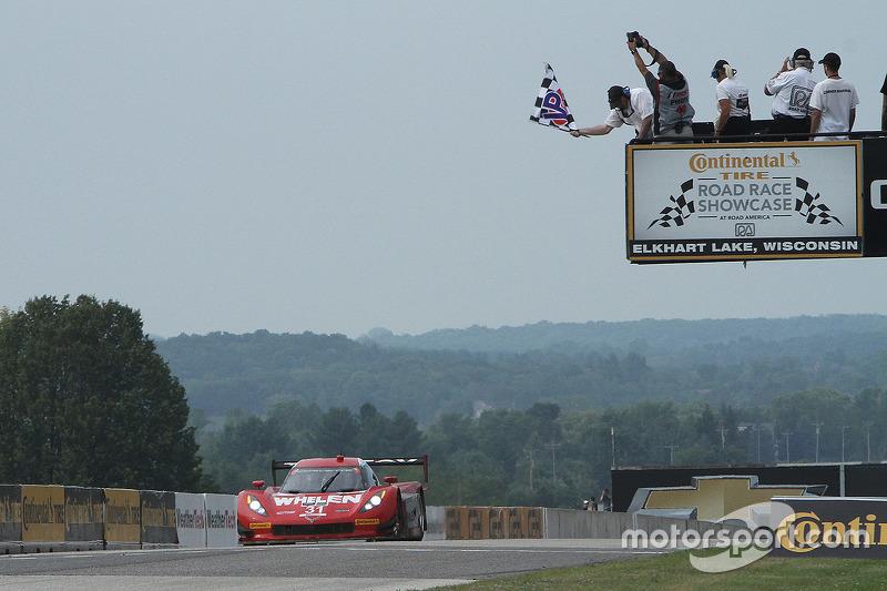 #31 Action Express Racing Corvette DP: Eric Curran, Dane Cameron meraih kemenangan