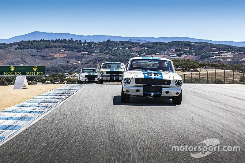 Tiga mobil Ford Mustang GT 350s
