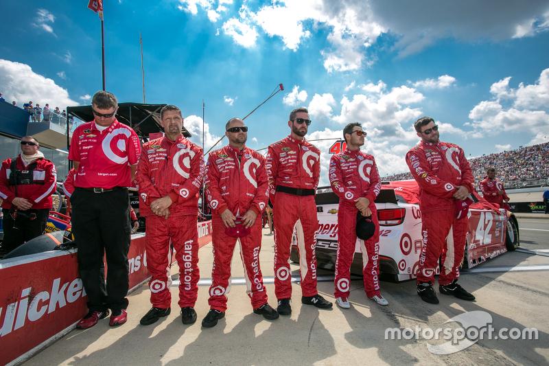 Para anggota kru Chip Ganassi Racing