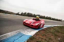 Felipe Giaffone testando o kart da Pró-500 em Limeira