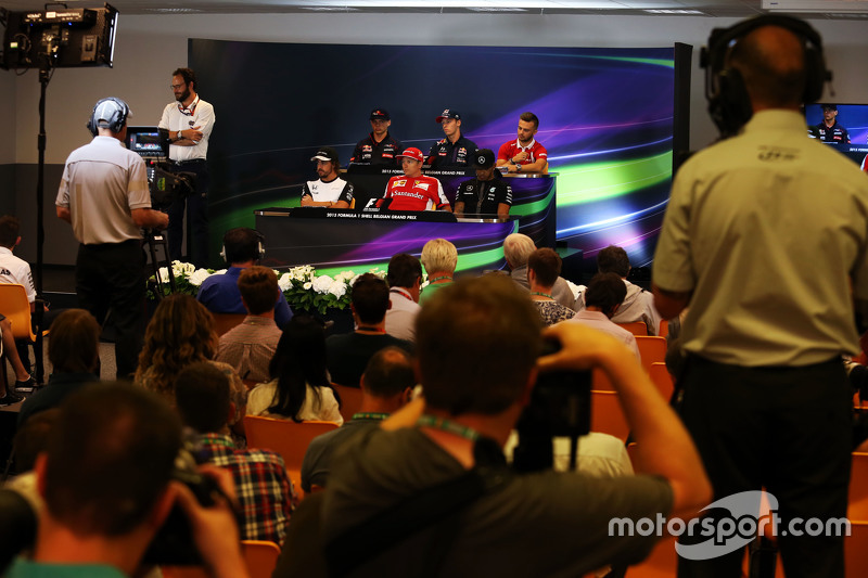 The FIA Press Conference,): Max Verstappen, Scuderia Toro Rosso; Daniil Kvyat, Red Bull Racing; Will Stevens, Manor F1 Team; Fernando Alonso, McLaren; Kimi Raikkonen, Ferrari; Lewis Hamilton, Mercedes AMG F1
