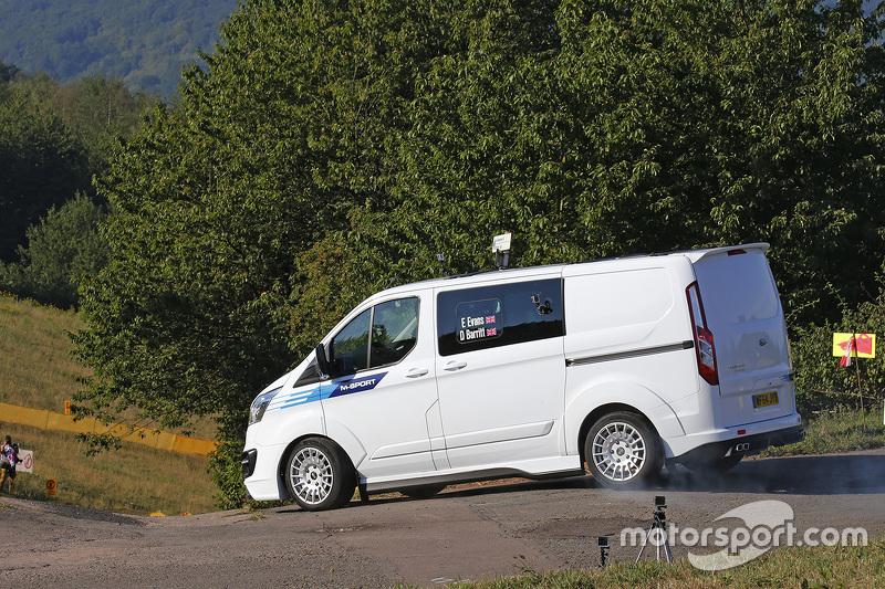 Sebuah WRC Ford Transit