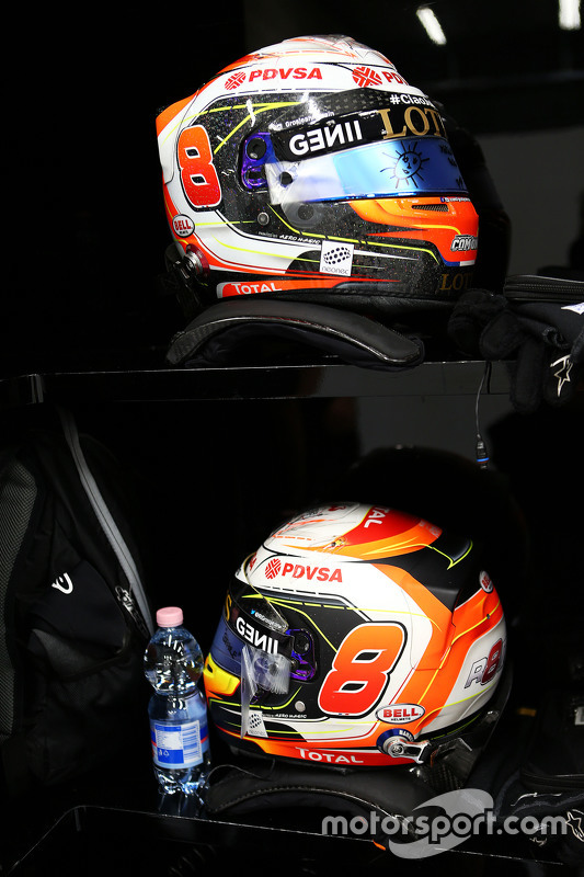 Helmets for Romain Grosjean, Lotus F1 Team