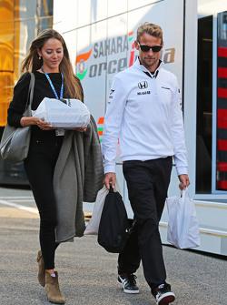 Дженсон Баттон, McLaren со своей женой Джессикой