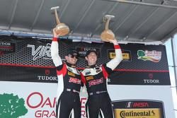 ST ganador de la carrera #17 RS1 Porsche Cayman: Spencer Pumpelly, Luis Rodriguez Jr.
