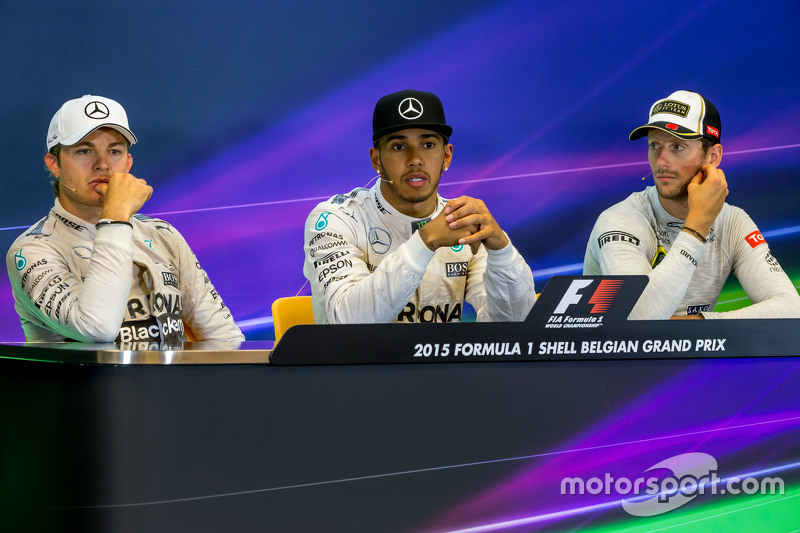 Konferensi Pers FIA pasca-balapan,: Nico Rosberg, Mercedes AMG F1, second; Lewis Hamilton, Mercedes