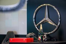 Sampanye untuk Mercedes AMG F1 team