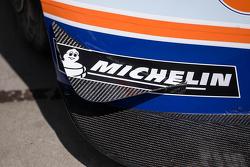 Detail Aston Martin Michelin