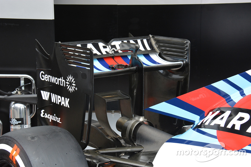 Williams rear wing