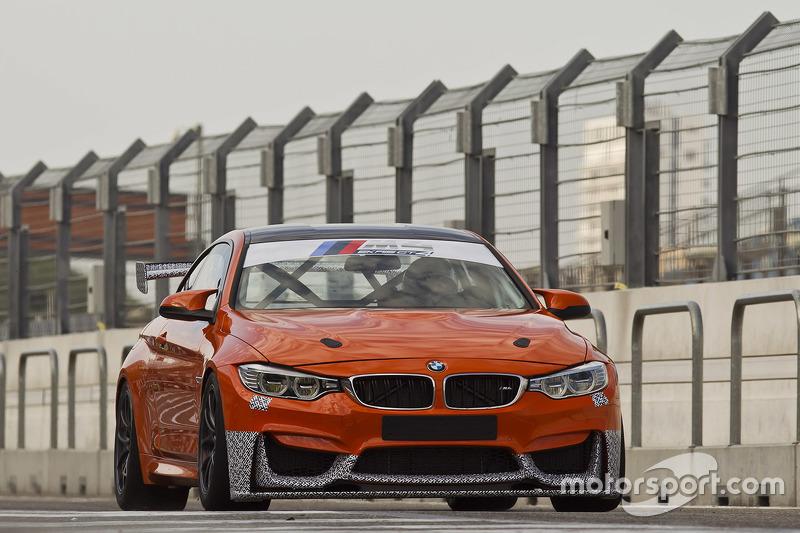 Ekris BMW M4 GT4 testing