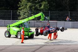 Carlos Sainz Jr., Scuderia Toro Rosso STR10 spins off at Parabolica