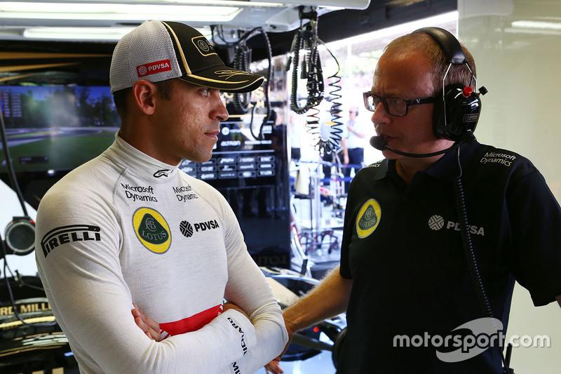 Пастор Мальдонадо, Lotus F1 Team з Марк Слейд Lotus F1 Team гоночний інженер