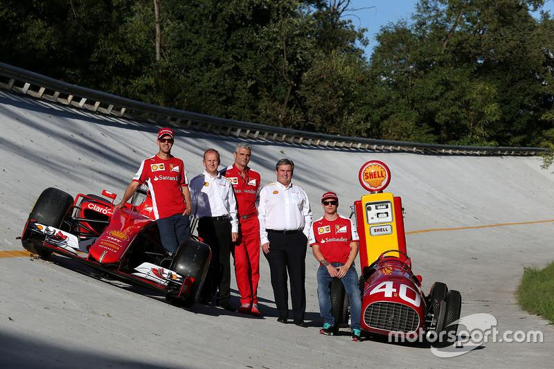 Kimi Räikkönen, Ferrari, mit Sebastian Vettel, Ferrari