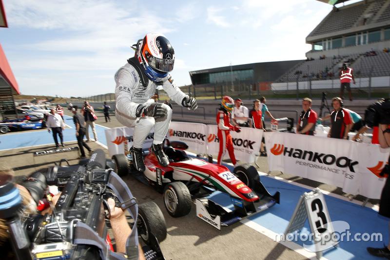 Race 2 Winner Felix Rosenqvist, Prema Powerteam Dallara Mercedes-Benz